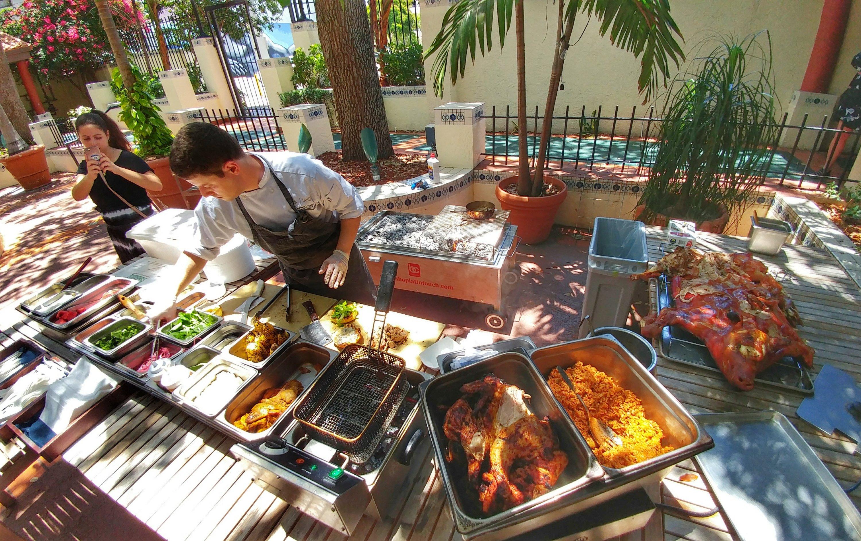 Pig roast brunch is served at jardin aguyonclematis for Brunch jardin